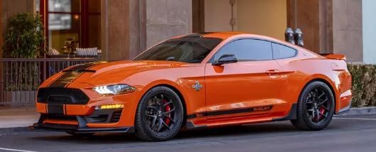 2020 Shelby Mustang Super Snake的复古色彩使825 HP看起来更好