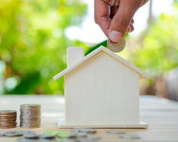 通过购买房地产以获得现金流量来控制风险