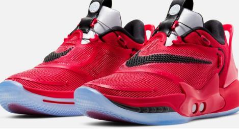 耐克新款自动系带篮球鞋将于周日发售价格为400美元