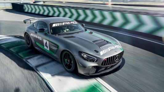 AMG GT4像黑斑羚一样追赶宝马M4 GT4