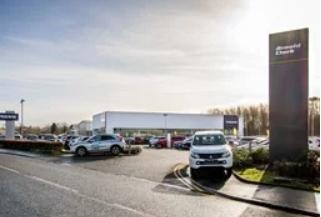 阿诺德克拉克斯特林开设了新近翻新的沃尔沃经销店