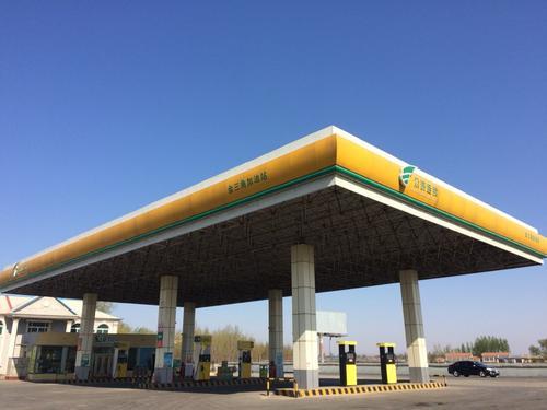 鞍山加油站和便利店承诺为城市运转提供能量