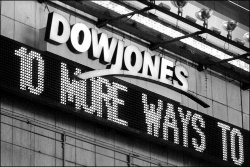 周四市场道琼斯指数下跌近1000点