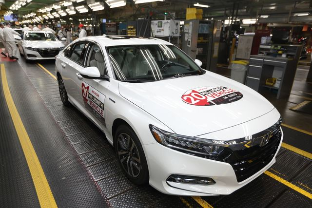 所有汽车制造商在冠状病毒大流行期间解雇工人
