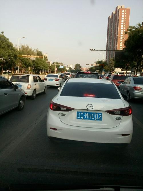 千山西路—民生西路路口新设一条可变车道