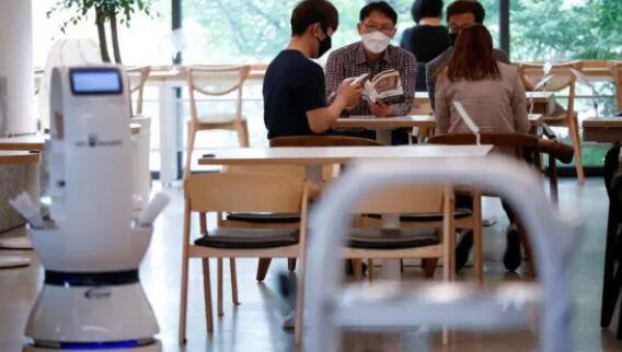 机器人咖啡师帮助韩国咖啡馆保持社交距离