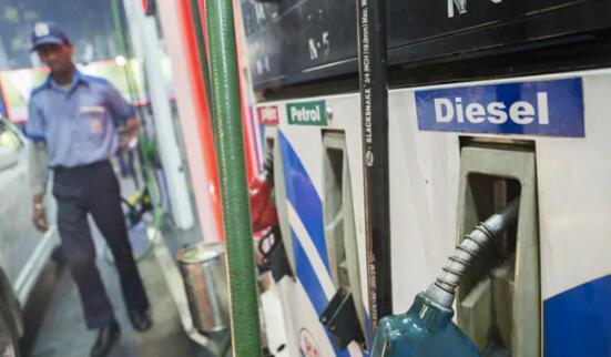 汽油和柴油销售从创纪录的低点回升 完全恢复月份已过去