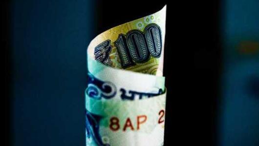 卢比兑美元汇率为75.57 一周几乎保持不变
