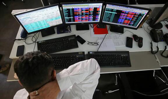 随着金融股暴跌 Sensex和Nifty的收盘点位跌至逾一周低点