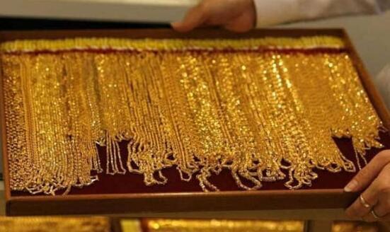 黄金期货下跌1%但仍高于每10克大关47,000卢比