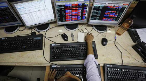 Sensex指数收盘时上涨399点 创下2个月来最高单日涨幅