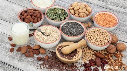 低碳水化合物与低脂饮食:哪种更健康,更适合减肥?