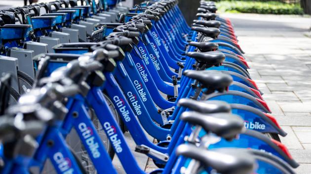 Lyft为Pink订户测试无限制的Citi Bike骑行