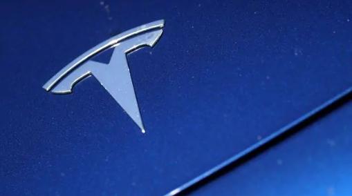 特斯拉电动汽车制造商参与了智能手表的开发