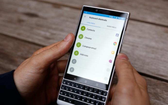 "5G黑莓手机可能是""目前最美国制造的手机"""