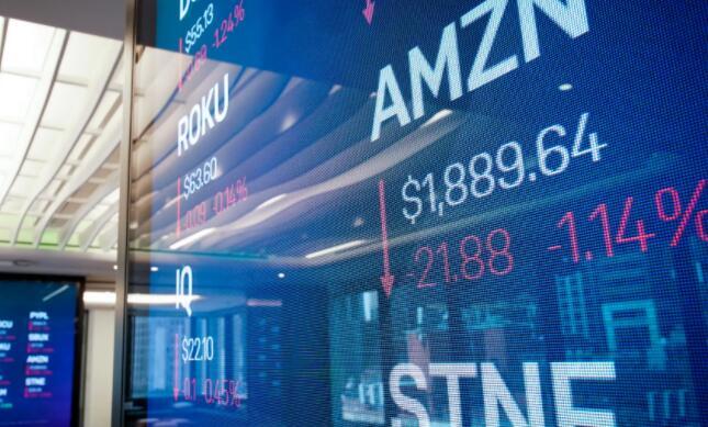 我应该立即购买亚马逊股票还是等待更好的价格?
