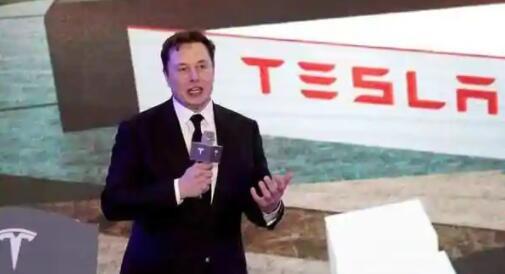 伊隆·马斯克暗示特斯拉(Tesla)电池节之前的电动汽车电池将更强大