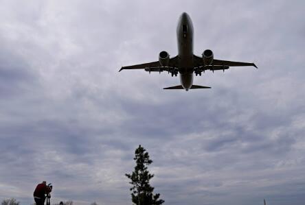 有创造力的航空公司出售除厨房水槽以外的所有东西以赚钱
