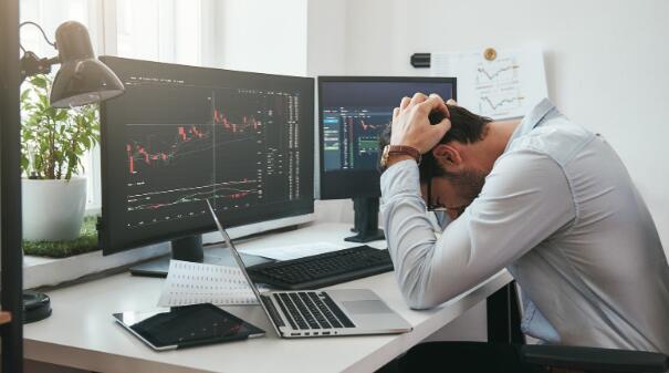 如果股市继续下跌 只有两个动作