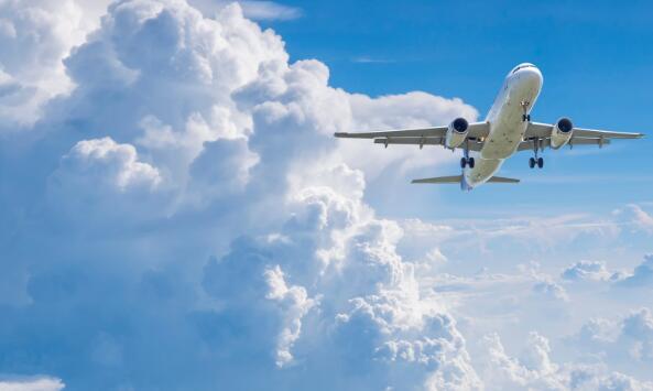 多数航空公司的股票在星期二跌跌撞撞 标准普尔500指数跌幅超过2%