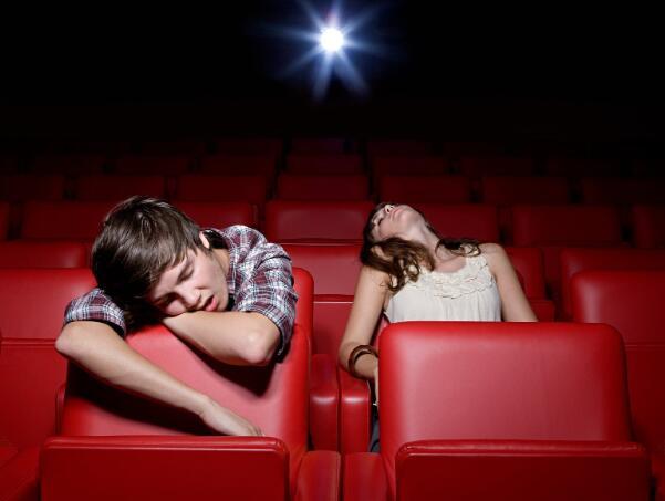 上周末这部大型电影的票房收入几乎不超过2000万美元