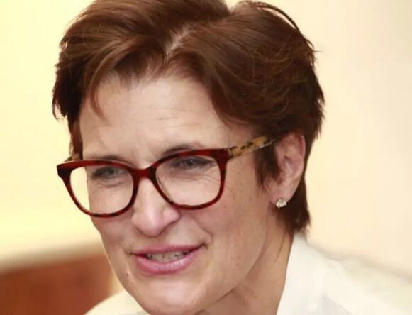 简·弗雷泽担任花旗集团首席执行官 率领一家大型银行的首位女性
