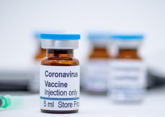 阿斯利康首席执行官预计暂停的疫苗试验的中期结果将在2020年底之前