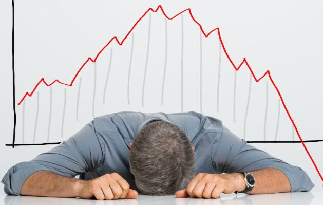 耐嚼的股票在周五下跌