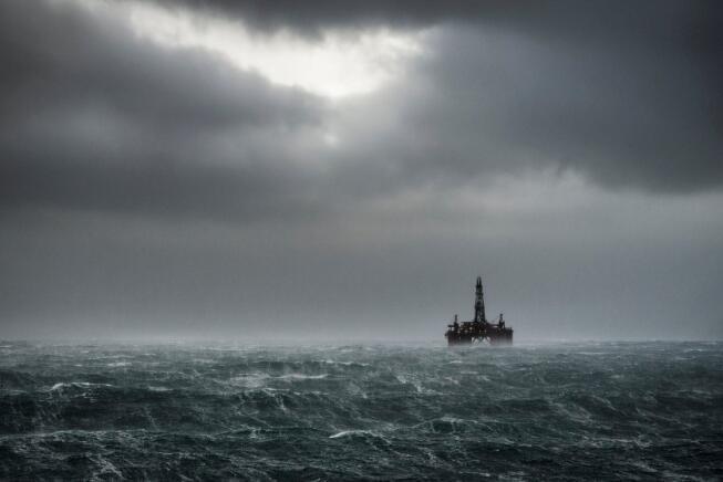 原油价格飙升 不值得投资