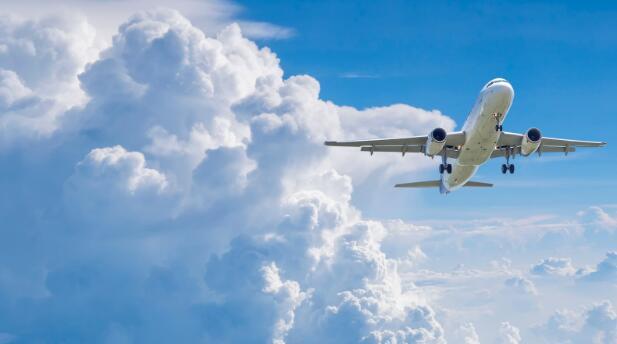 今天的航空股飞涨 业内两家经营最好的公司正在积极更新