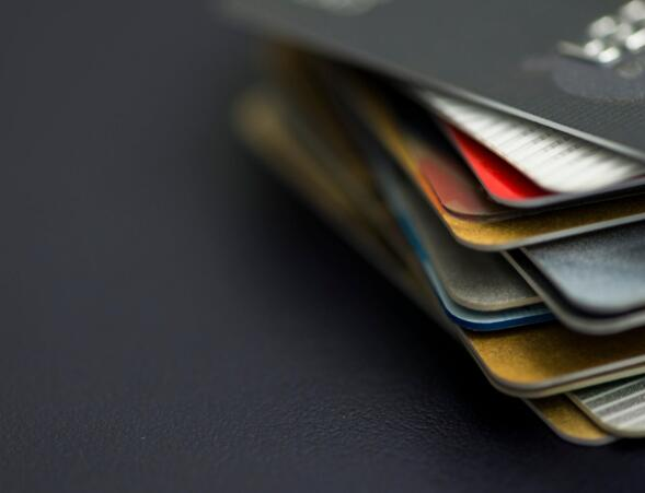苹果放弃与巴克莱的信用卡合作伙伴关系