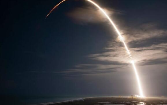 SpaceX与欧洲竞争对手Arianespace赢得价值3.9亿美元的Intelsat发射