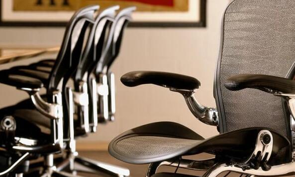 家具零售商Herman Miller的股价飙升33% 原因是家庭办公室销售激增