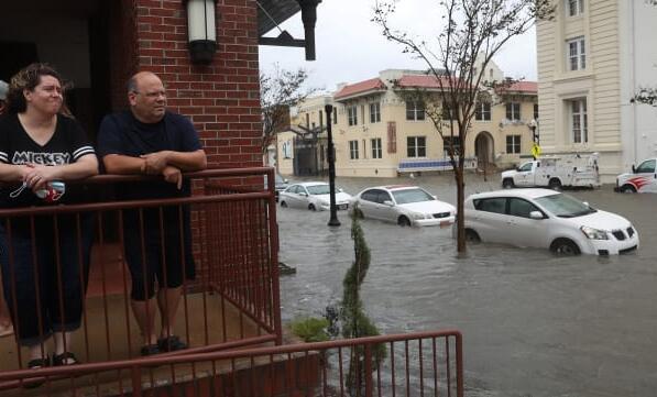 莎莉减弱为热带低压 在美国墨西哥湾沿岸留下大量洪水