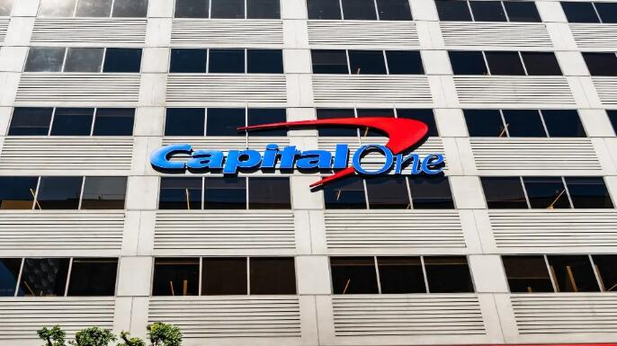Capital One是美国最大的银行之一 也恰好是那里技术最专注的银行之一