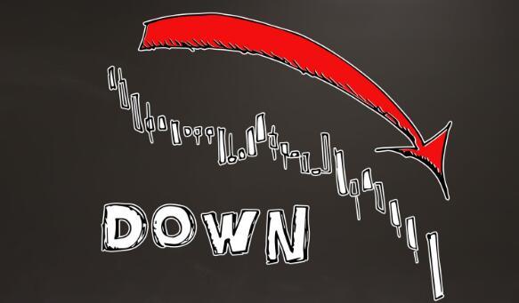 嘉年华与皇家加勒比海地区和挪威邮轮公司的股票在周四全部下沉