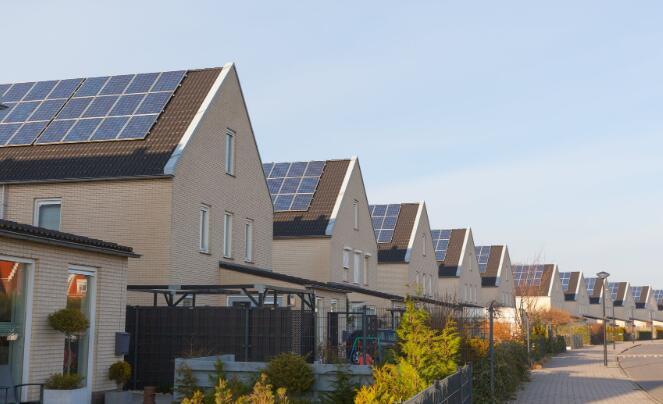 太阳能股持续走高直到十月份