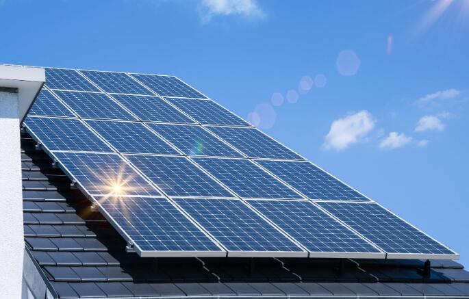太阳能公司发光 股市迅速摆脱刺激担忧