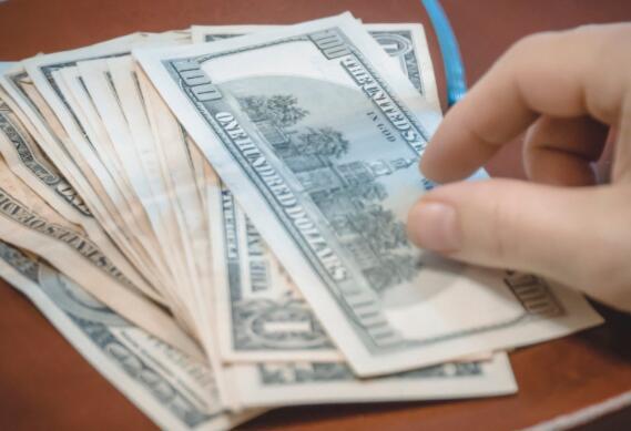 为什么富国银行在周三遭到抨击