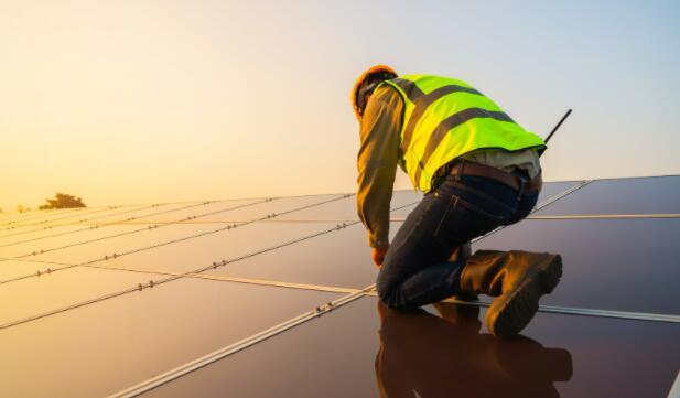 Enphase Energy与SunCool合作开发南佛罗里达太阳能系统