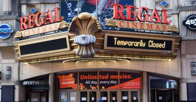 纽约市的45家电影院占地铁票房的40%而其中只有一家是开放的