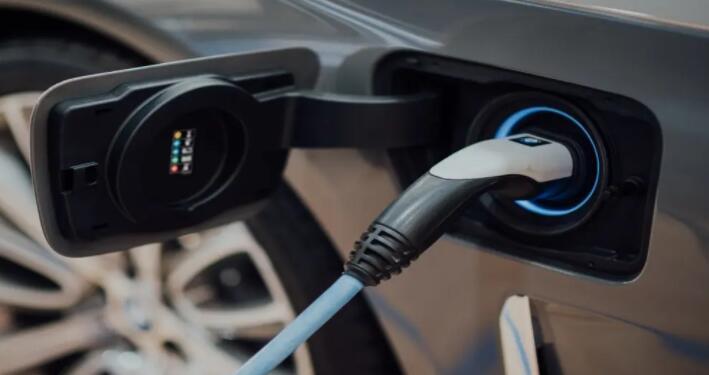 Fisker可以在电动汽车市场上占领特斯拉吗