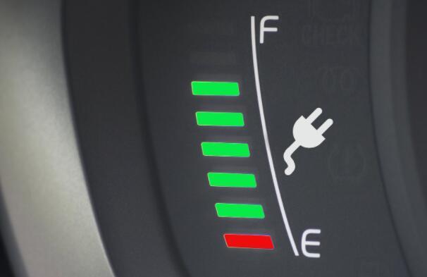 这家电动汽车制造商的股价在十月份暴涨