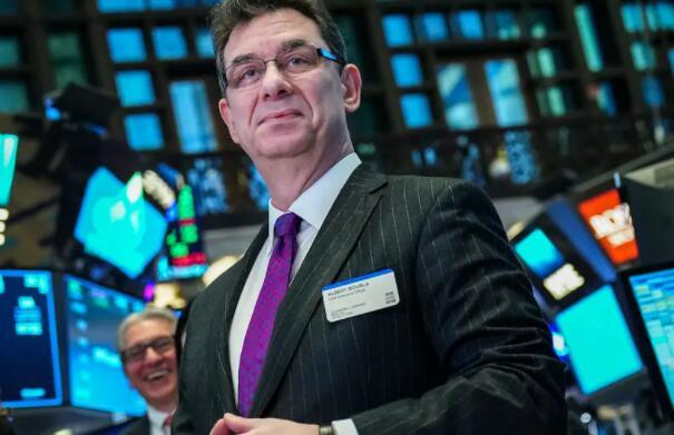 辉瑞公司首席执行官在疫苗公告发布的同一天售出了股票 是否合法