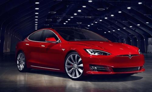 特斯拉正在加入标准普尔500指数 克莱默和其他五个人对这家电动汽车制造商有何展望