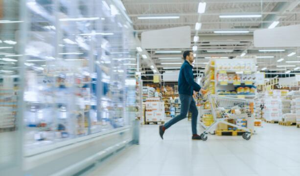 沃尔玛第三季度利润增长了16%