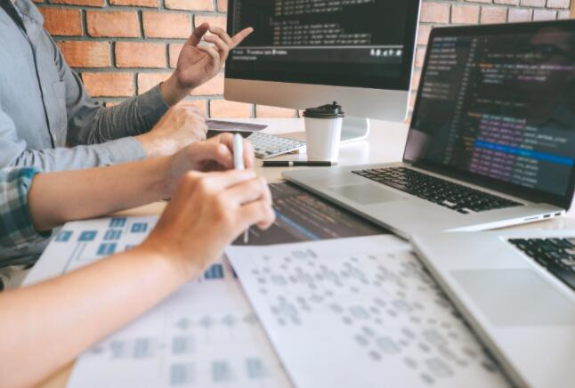 Salesforce以277亿美元的闲置报价构建面向未来工作的操作系统