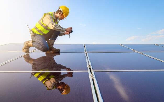 亚马逊表示现在是可再生能源的第一大企业购买者