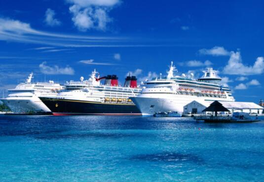 嘉年华公司与皇家加勒比海和挪威邮轮公司今天沉没