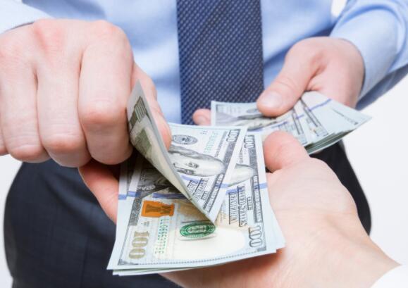 每月支付您3支股票 这些股利提供了经常性的每月收入来源